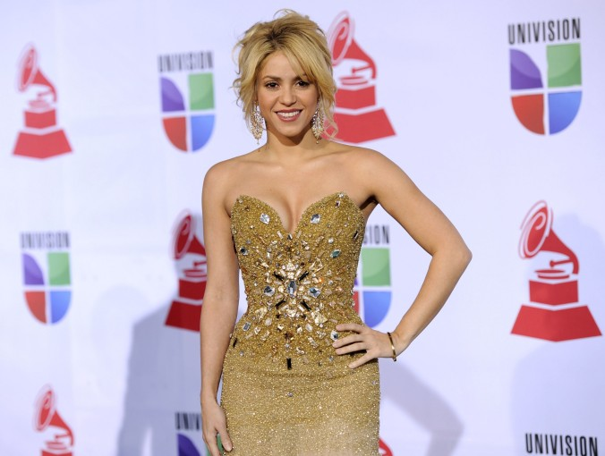 Shakira - Cleavage at 12th Annual Latin Grammy Awards in Las Vegas-02-3000x2265