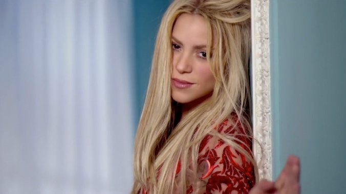 shakira-cant-remember-to-forget-you-ft-rihanna-01